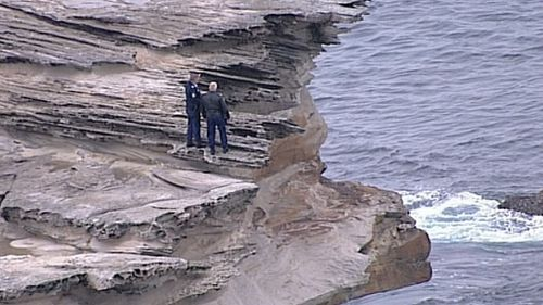 Police at the scene in Kurnell. (9NEWS)