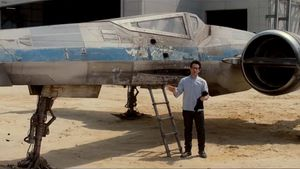 New Star Wars X-Wing fighter revealed!