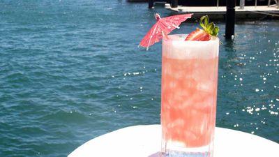 Bae beach breeze rosé Champagne cocktail