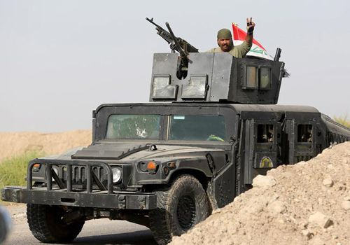 Iraqi troops advancing towards Fallujah. (Getty)