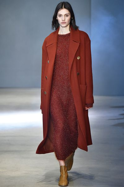 <strong>Burnt Caramel<br></strong><br>As seen at: Tibi, Stella McCartney, Off-White<br> <br>How to: Layer the shade from head-to-toe in varying materials and opacities for the perfect autumnally-themed outfit.