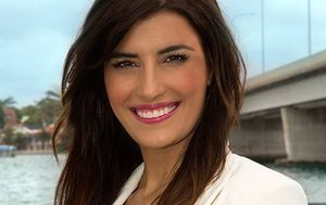 Liberal MP Eleni Petinos flies to watch Commonwealth Games as bushfire threatens electorate