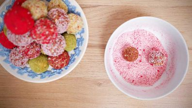 You can colour and flavour your coconut coating any way you like