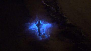 'Sea sparkles' turn water neon blue