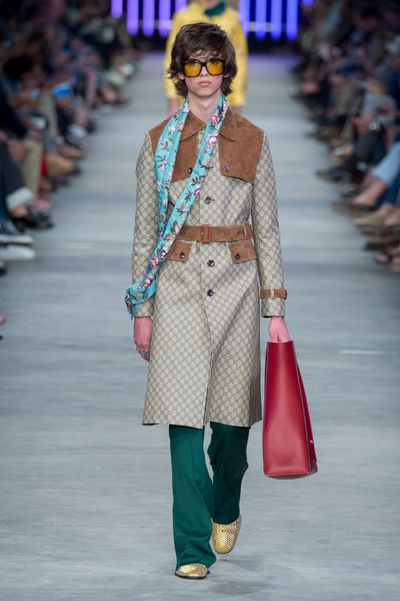<p>Seventies shapes, graphic embellishments and a whole lot of pyjama dressing.</p>