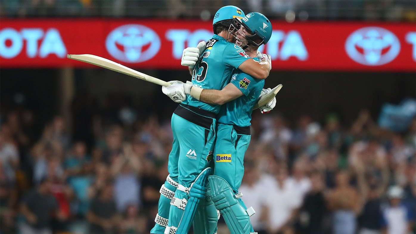 Jimmy Peirson rescues Brisbane Heat in elimination final against Adelaide Strikers