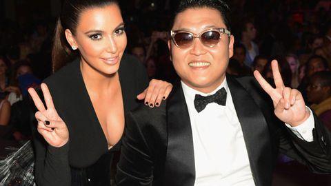 Peace: Kim Kardashian and Psy at the MTV EMAs 2012
