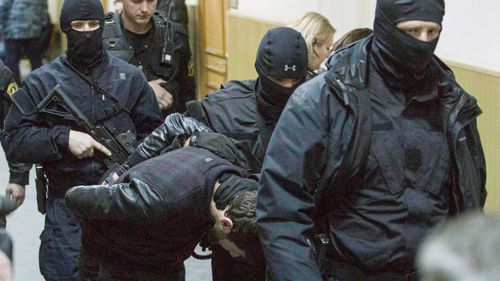 Suspect in murder of Russian anti-Putin politician 'blows himself up' in police stand-off