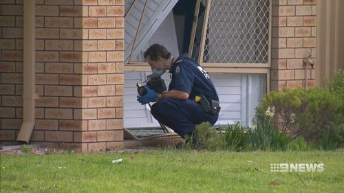 Police at the Rockingham home. (9NEWS)