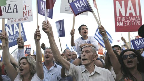 Thousands rally on either side of EU split in Greece