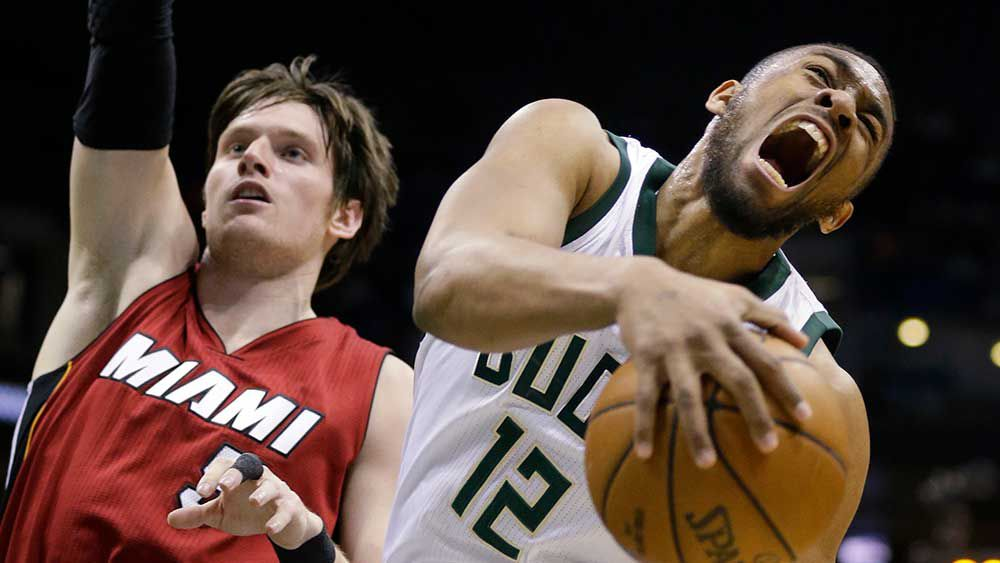 Bucks' Parker injures knee, out for year
