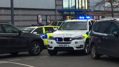 Gunman takes hostages at UK bowling alley