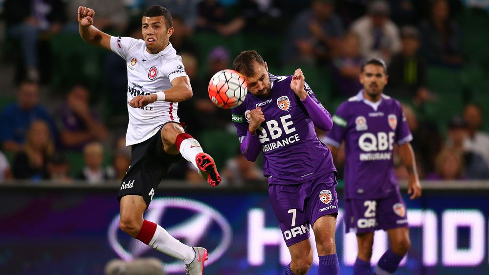 Glory, Wanderers in exciting draw