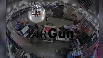 9RAW: Eerie footage shows passengers run seeing Ataturk gunman