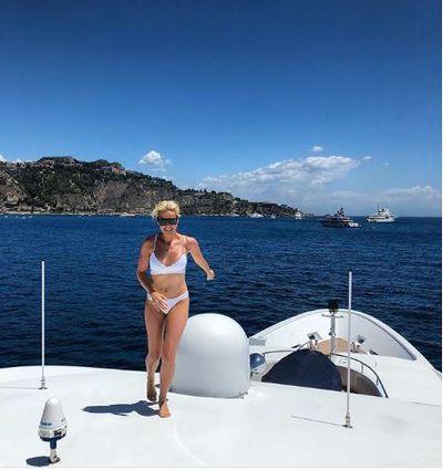 Roxy Jacenko in a bikini fromMelissa Odabash inGiardini Naxos