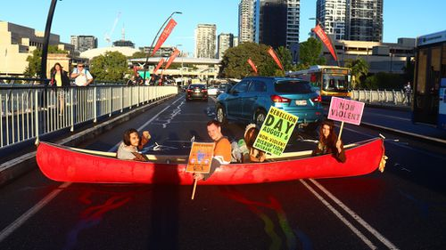 190627 Brisbane climate protest Extinction Rebellion Victoria Bridge blocked crime news Queensland