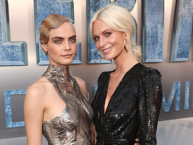 Cara Delevingne and sister Poppy Delevingne in 2017