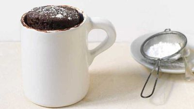 "Recipe:&nbsp;<a href=""http://kitchen.nine.com.au/2017/08/10/16/43/five-minute-chocolate-cake-in-a-mug"" target=""_top"">Five minute chocolate cake in a mug</a>"