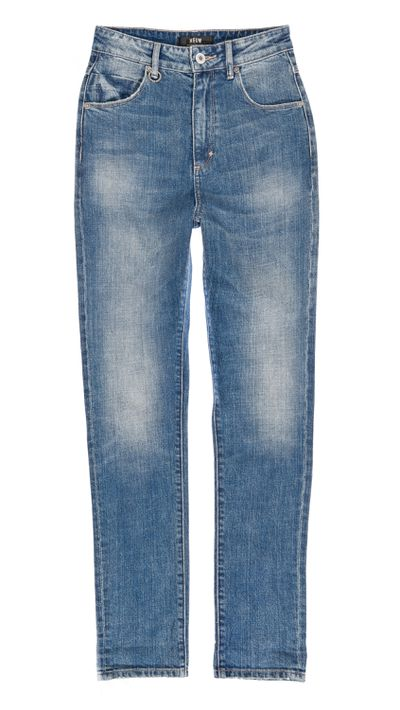 <p>As far as '90s-inspired denim goes, these jeans are like the cast of <em>The Fresh Prince Of Bel-Air</em> andall three Hanson brothersdancing in harmony to the Macarena.</p>
