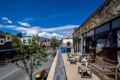 Best for Pre-Uni Gap-Yearers (aged 18-24) – Adventure Q2 Hostel, New Zealand