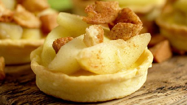 Matt Stone's re-pie-cled baked custard, apple and bread tart