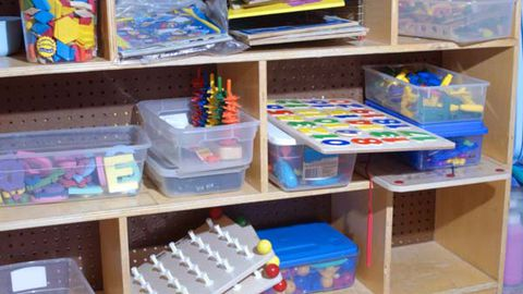 Label plastic containers with words or pictures of what belongs inside (Thinkstock)