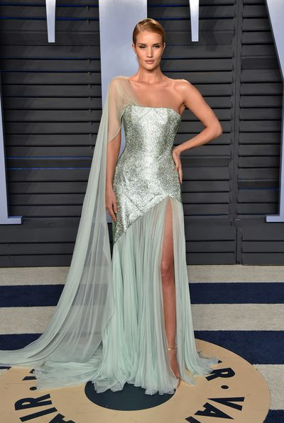 Model Rosie Huntington-Whiteley inRalph & Russo Spring 2018