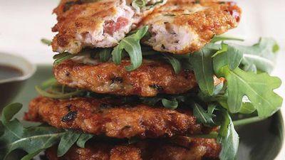 """<a href=""""http://kitchen.nine.com.au/2016/05/17/19/10/chicken-and-ham-patties"""" target=""""_top"""">Chicken and ham patties</a>"""