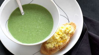 """<a href=""""http://kitchen.nine.com.au/2016/05/17/11/36/cream-of-spinach-with-lemon-fetta-toasts"""" target=""""_top"""">Cream of spinach with lemon feta toasts</a>"""