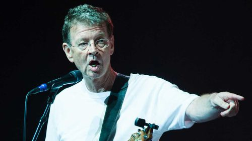 Red Symons during a Skyhooks performance in 2015. (AAP)