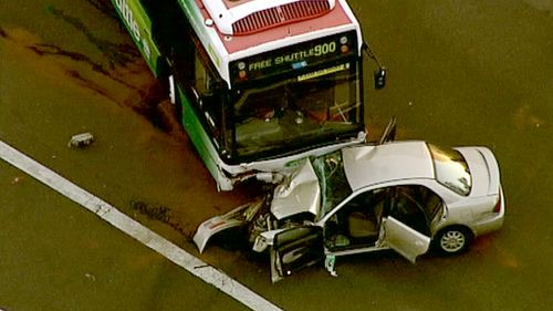Man dead after head on crash with bus in Sydney's west