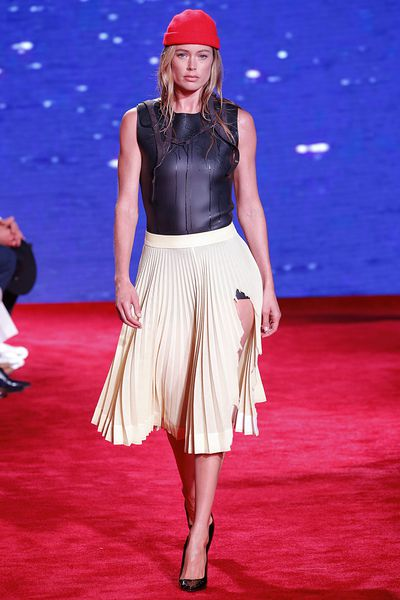 Doutzen Kroes walks the runwayfor the Calvin Klein Collection Ready to Wear Spring/Summer 2019 fashion show at NYFW18. Image: Getty