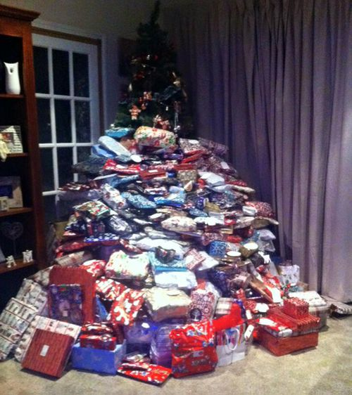 UK mother spends £1500 on 300 Christmas presents for her kids