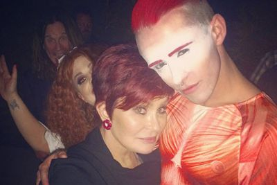 @s0ul_purpose: this may be the best photo ever captured: @sharonosbourne and I, photo bombed by @kellyosbourne and @ozzyosbourne #legendary #happy30thKelly<br/>