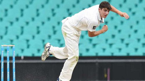 Sean Abbott greeted by warm applause at first trip back to the crease