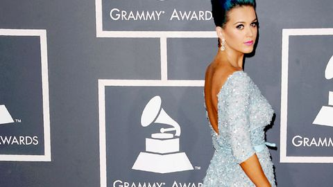 Katy Perry is 'devastated' about her 'sham wedding' (but she's on the prowl)