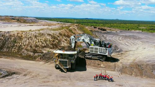 , 'Unacceptable': Queensland Government to investigate after miner killed,