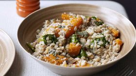 Spelt risotto with butternut pumpkin, spinach, chestnuts and goat's cheese
