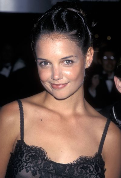 Holmes let her natural beauty do the talking as she rocked a bare-face and subtle glossy lip at the 35th Annual New York Film Festival in 1997.