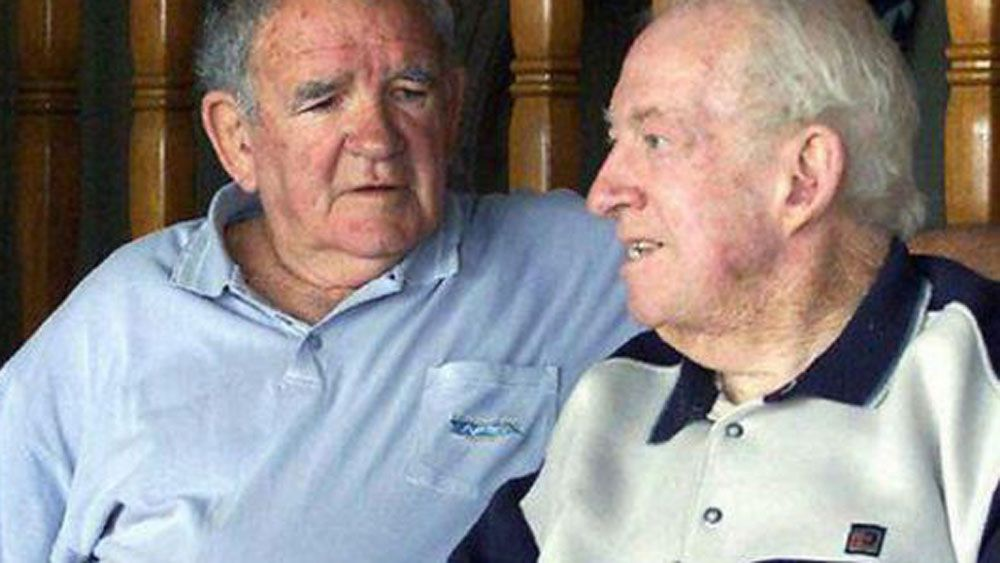 Ron Massey (right) and Jack Gibson reminisce. (Twitter @theparraeels)