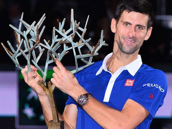Djokovic sets sights on Federer's record