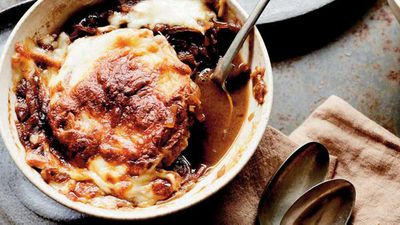 """Recipe: <a href=""""http://kitchen.nine.com.au/2017/05/19/14/06/classic-french-onion-soup-with-homemade-croutons"""" target=""""_top"""">Classic French onion soup</a>"""