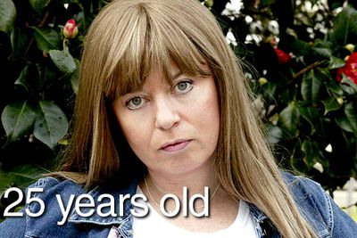 Foxy moron Kim Craig on <i>Kath & Kim</i> claimed to be 25 when the hit Aussie series made its debut in 2002, but what age is the actress pacifically?