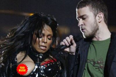 In what has affectionately been coined 'nipplegate', Janet Jackson's entire boob came out to play during her halftime performance at the Super Bowl. Just look at JT's face!!!