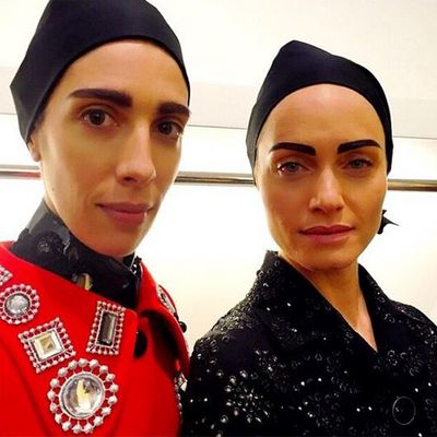 <p>Models Jamie Bochert and Amber Valetta.</p>