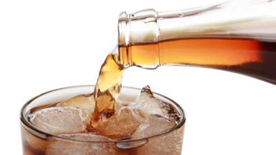Woman who only drank cola for 16 years suffers severe fainting