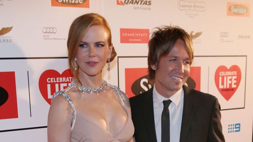 UPDATE: Keith Urban cancels concert to be by Nicole's side after father's death