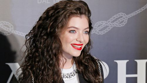 Lorde set to bring home the goods at American Music Awards