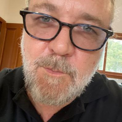 Russell Crowe shared a photo of him without his beard.