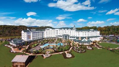 <strong>Dollywood's DreamMore Resort<br /> Owned by: Dolly Parton</strong>